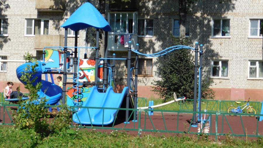 Обнинцы, в чьих дворах построили детские площадки, не хотят платить за их ремонт