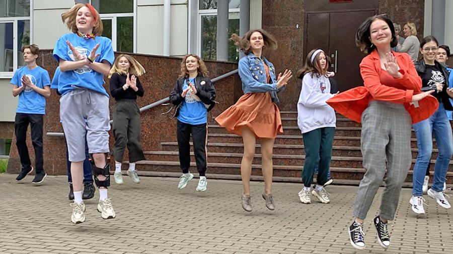 «Евровидение в Обнинске» — так ученики гимназии отметили «экватор» лагеря одаренных детей