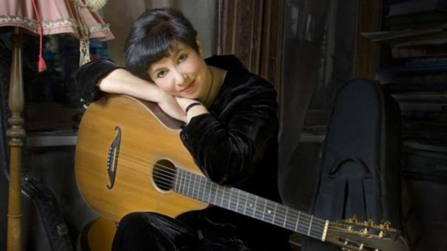 Встреча с известной поэтессой и автором бардовской песни Вероникой Долиной вызвала ажиотаж у обнинской публики