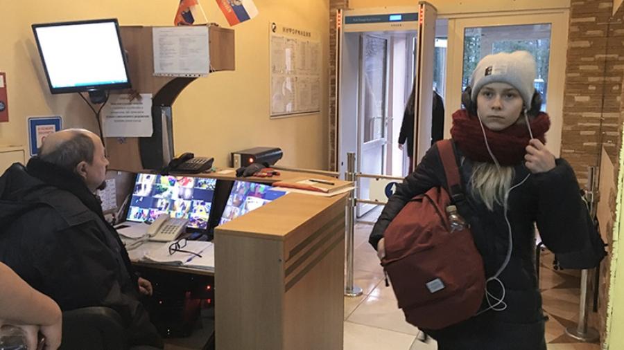 Вскоре система, когда внутрь учебного заведения смогут попасть только ученики и учителя, будет внедрена в Обнинске повсеместно