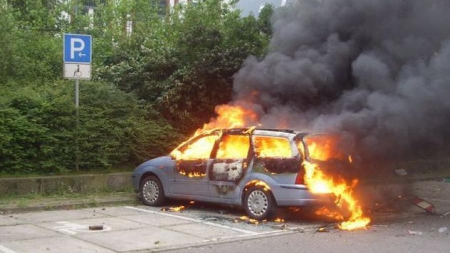 Жительница Малоярославца от обиды сожгла две машины