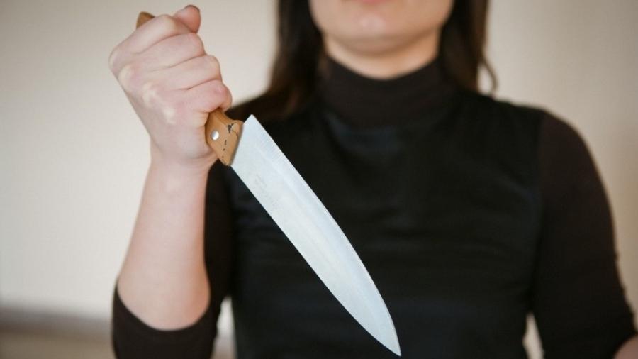 В Малоярославецком районе жена попыталась зарезать благоверного