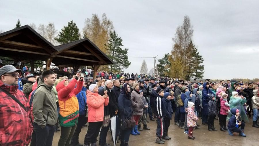 Все по правде: около двух тысяч человек собралось на масштабную реконструкцию боев у Ильинского рубежа