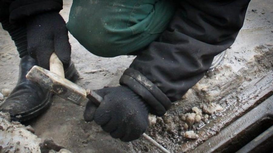 В Обнинске нашли вора канализационных решеток
