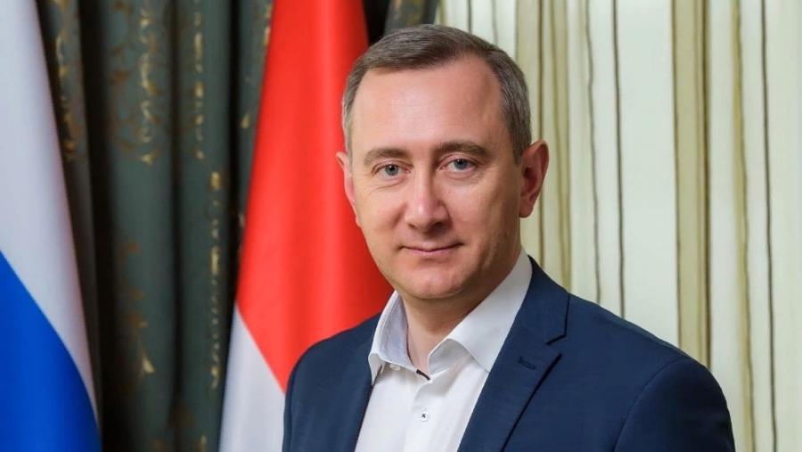 Губернатор Владислав Шапша поздравил женщин региона, записав видео